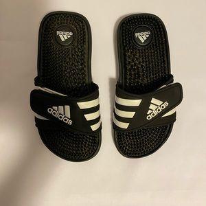 Lisa Adidas slides